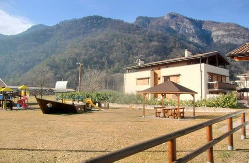 Last Minute Cottages - Elisa di Ledro