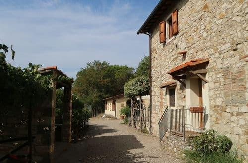 Last Minute Cottages - Forno