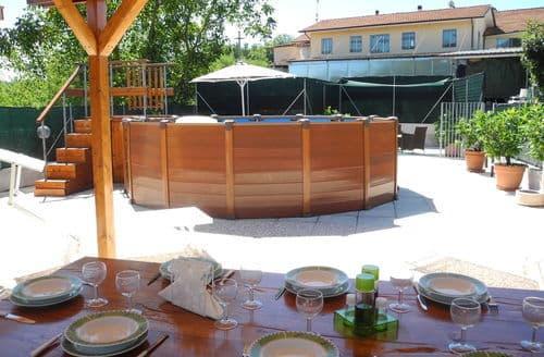 Last Minute Cottages - Gorgeous Lucca Cottage S158245