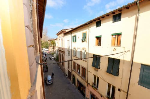 Last Minute Cottages - Boheme di Lucca