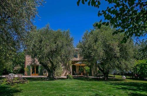 Last Minute Cottages - Villa Alessia