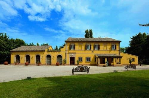 Last Minute Cottages - Villa Gioia