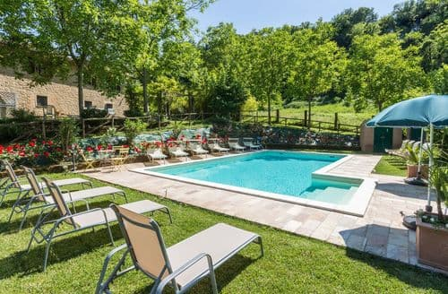 Last Minute Cottages - Villa Quirico
