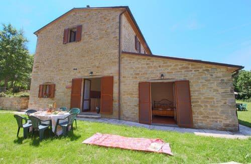 Last Minute Cottages - Rosa Gialla
