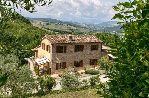 Last Minute Cottages - Charming Montalto Delle Marche Cottage S158596