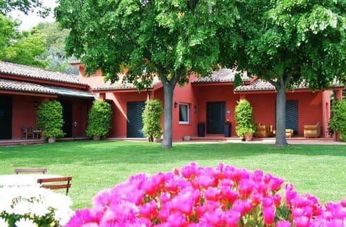 Last Minute Cottages - Splendid Colonnella Cottage S158609
