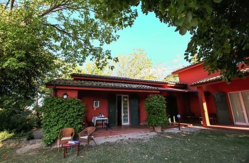 Last Minute Cottages - Le Ginestre