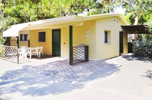 Last Minute Cottages - Wonderful Tortoreto Lido Cottage S158617