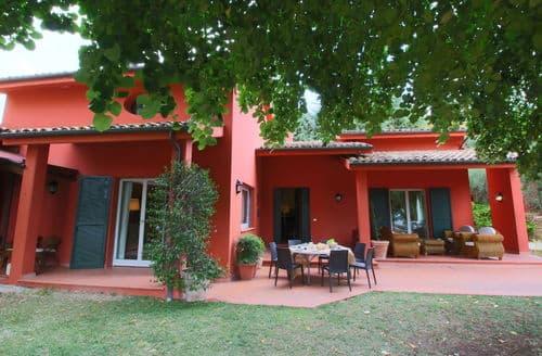 Last Minute Cottages - Lovely Colonnella Cottage S158613
