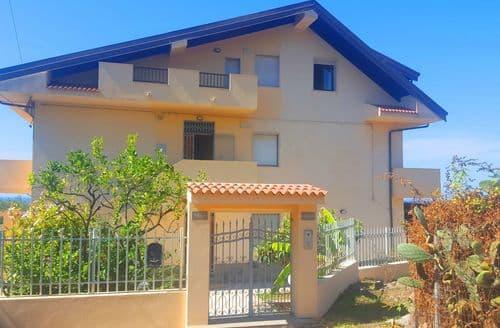 Last Minute Cottages - Villa Lilliana Appartamento A