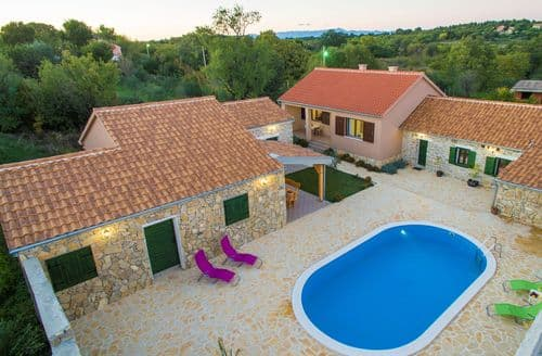 Last Minute Cottages - Holiday home Maslina