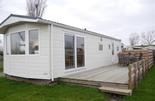 Last Minute Cottages - Superb Hippolytushoef Lodge S159523