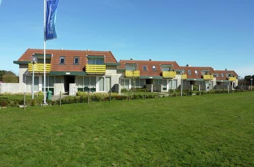 Last Minute Cottages - Superb De Koog Texel Apartment S159593