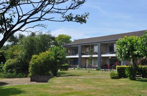Last Minute Cottages - Cosy Noordwijk Apartment S159771