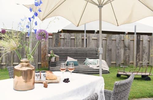 Last Minute Cottages - Delightful Callantsoog Apartment S159930