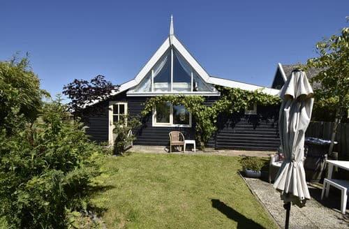 Last Minute Cottages - Tasteful 't Zand Cottage S159937