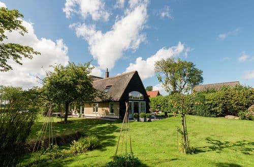 Last Minute Cottages - Excellent Den Oever Cottage S159952