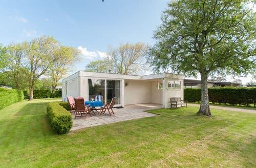 Last Minute Cottages - Stunning Julianadorp Cottage S160052