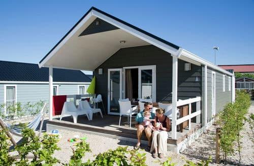 Last Minute Cottages - Cosy Maurik Cottage S160077