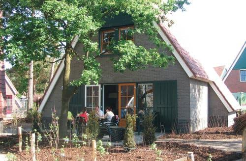 Last Minute Cottages - Cosy Oosterhout Apartment S160445