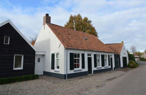Last Minute Cottages - Captivating Oosterhout Cottage S160448