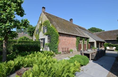 Last Minute Cottages - La Grande Maison Douce
