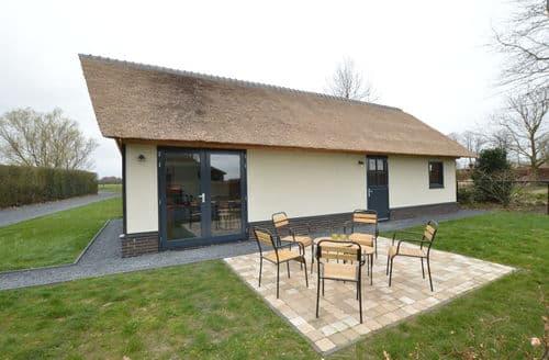 Last Minute Cottages - Exquisite Alphen Cottage S160519