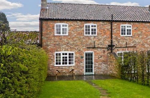 Last Minute Cottages - Priestley