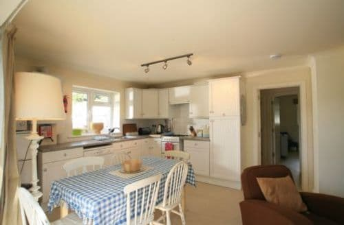 Last Minute Cottages - Tasteful Newquay Cottage S45280