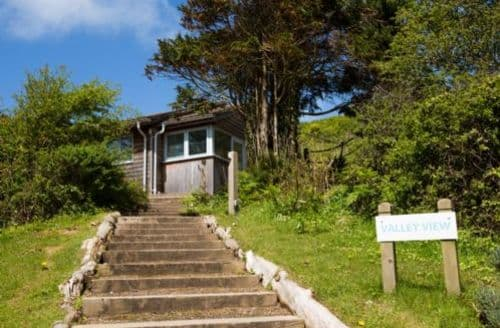 Last Minute Cottages - Tasteful Newquay Lodge S45298