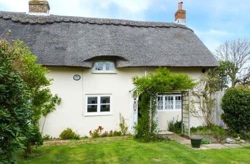 Last Minute Cottages - Luxury Niton Cottage S11646