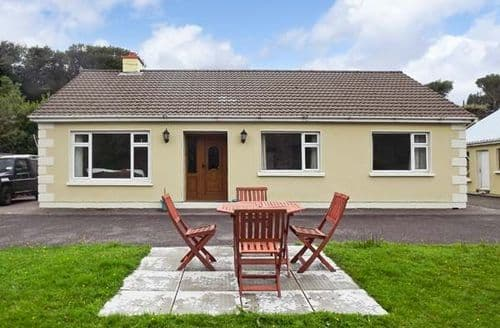 Last Minute Cottages - Excellent  Villa S4731