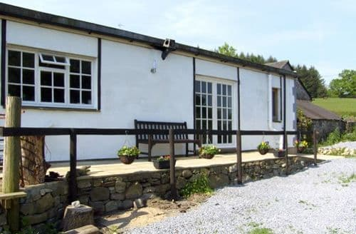 Last Minute Cottages - Llaeth Cottage