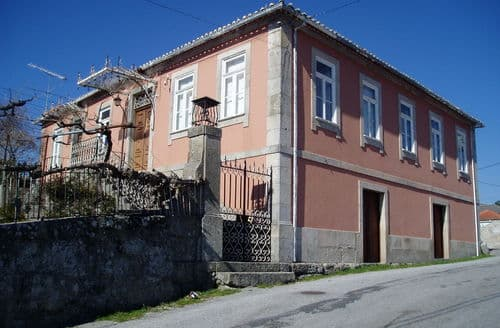Last Minute Cottages - Casa do Souto
