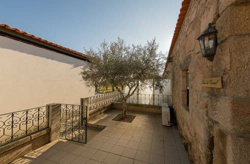 Last Minute Cottages - Casa do Curral