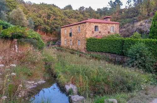 Last Minute Cottages - Casa do Lagar