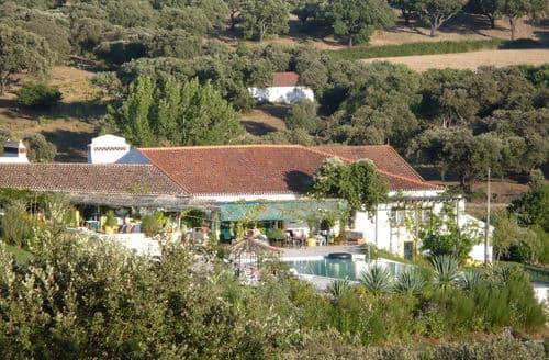 Last Minute Cottages - Casa da Figeira