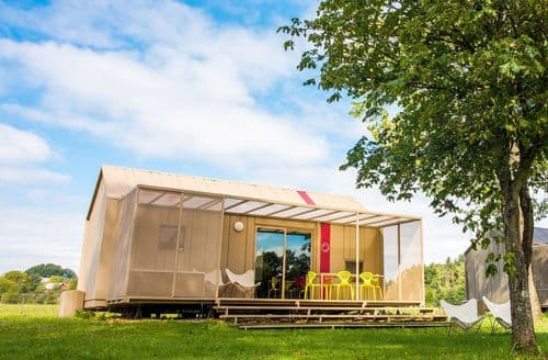 Last Minute Cottages - Camp Big Berry Luxury of Freedom