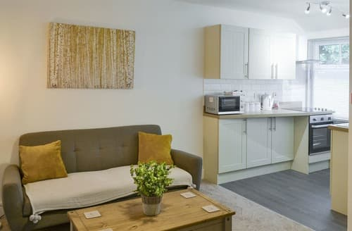 Last Minute Cottages - Luxury Newark Apartment S162123