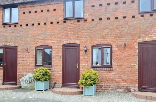 Last Minute Cottages - Luxury Dorrington Cottage S162133
