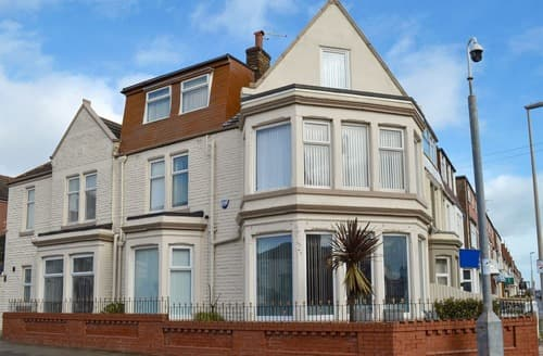 Last Minute Cottages - Captivating Blackpool Cottage S162140