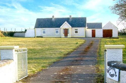 Last Minute Cottages - Cosy  Farm S4914