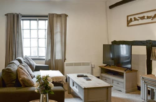 Last Minute Cottages - Excellent Newark Apartment S162181