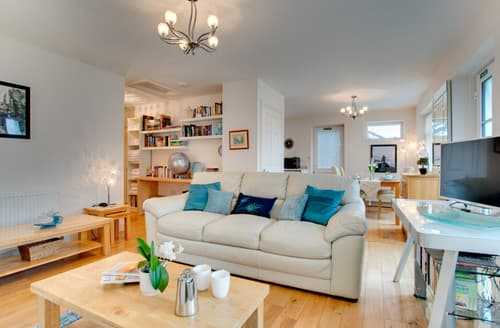 Last Minute Cottages - Wonderful Bamburgh & Holy Island Area Cottage S162186
