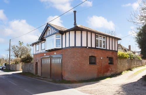 Last Minute Cottages - Highway Cottage