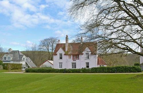 Last Minute Cottages - Avila House