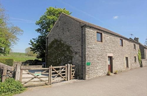 Last Minute Cottages - Monyash Barn