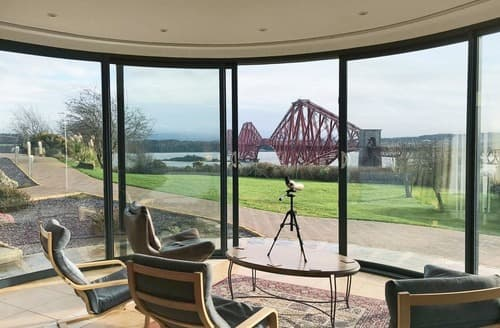 Last Minute Cottages - Forth Bridges View