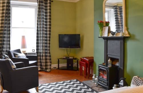Last Minute Cottages - Delightful Hawick Apartment S162816