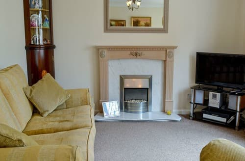 Last Minute Cottages - Charming Whitby Cottage S162830
